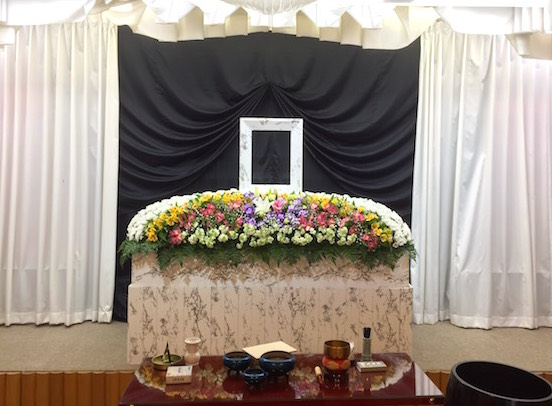 新家族葬35_祭壇画像